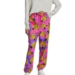 Farm Rio tie dye banana sweatpants. Size Medium NWT Rare. Sold out